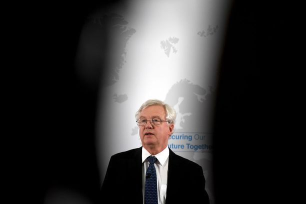 "David Davis on Iso-Brtiannian ""Brexit-ministeri""-"