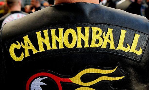 Syyttäjän mukaan syytetty mies on Cannonball-liivijengin Hämeenlinnan-osaston jäsen.