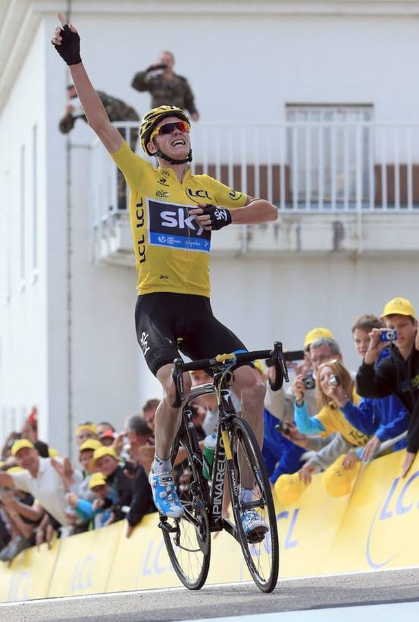 Chris Froome on jyräämässä Ranskan ympäriajon voittoon. Ero kakkosena polkevaan Alberto Contadoriin on jo reilut viisi minuuttia.