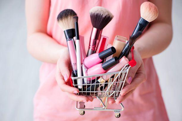 Marketeista voi löytää halvalla laadukkaita meikkituotteita.