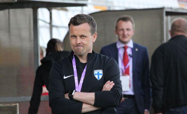 Päävalmentaja Marko Saloranta vei alle 17-vuotiaat tytöt MM-kisoihin.
