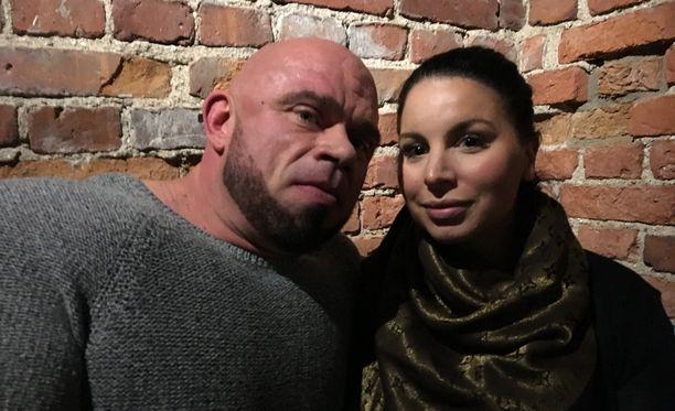 Bull ja Maru Mentula ovat olleet yhdessä seitsemän vuoden ajan.