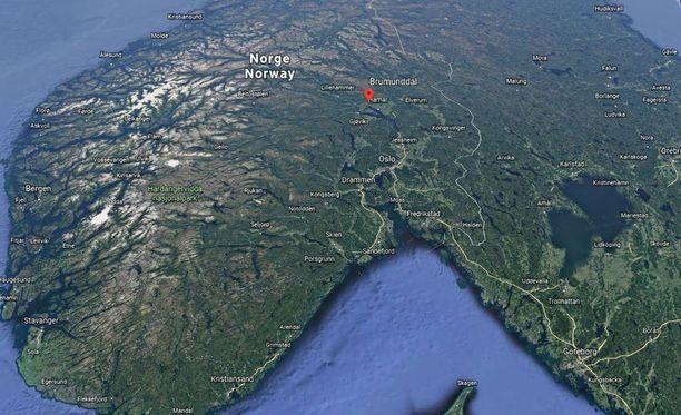 Naisen ruumis löydettiin lauantaina Norjan Brumunddalista.
