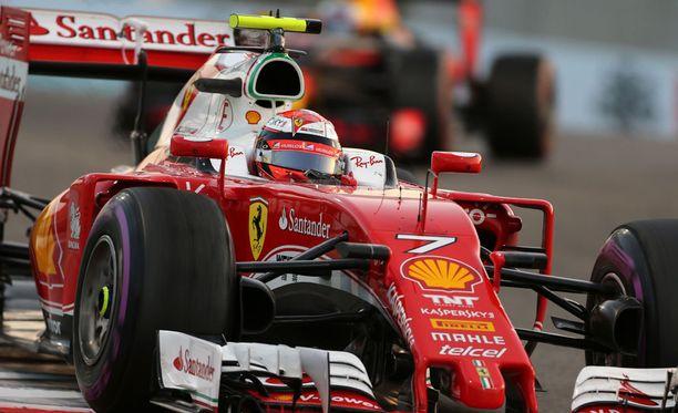 Kimi Räikkösen Ferrarin suunnittelupomo teki ovelan vedon, joka voi kaventaa kärkitallien etumatkaa.