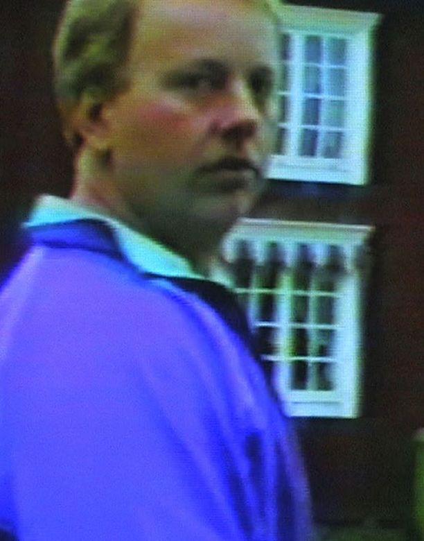 MURHAAJA Kaksi murhaa myöntänyt Anders Eklund vakuutti itse eilen poliisikuulusteluissa, ettei hänellä ole enää lisää rikoksia tunnustettavana.