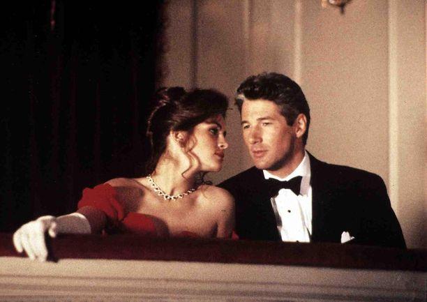 Pretty Woman sai ensi-iltansa vuonna 1990. Sen pääosissa nähdään Julia Roberts ja Richard Gere.