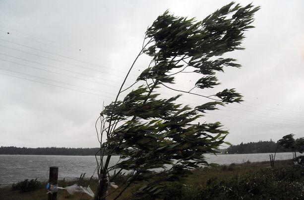 Ahvenanmaalla tuuli yltyä erittäin vaarallisen voimakkaaksi.