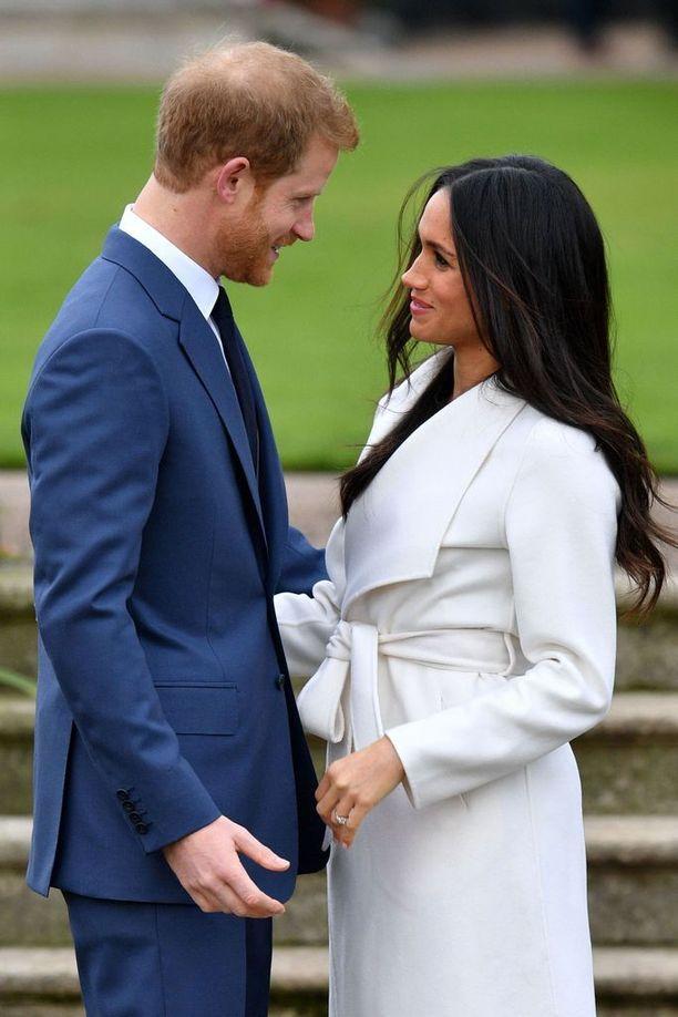 Prinssi Harry myönsi, että hän rakastui Meganiin heti ensihetkestä lähtien. Kosinnasta hän kertoi vain sen, että se oli romanttinen.
