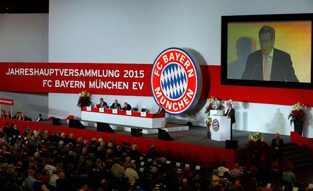 Bayernin vuosikokouksessa riitti kokoa ja väkeä perjantai-iltana.