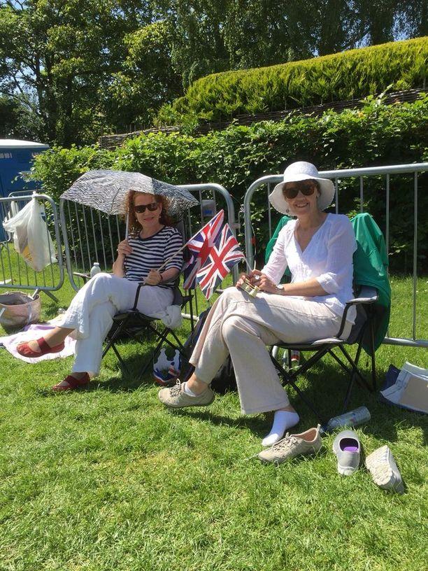 Sarah ja Jasmin Collyer saivat Sussexiin oman herttuaparin.