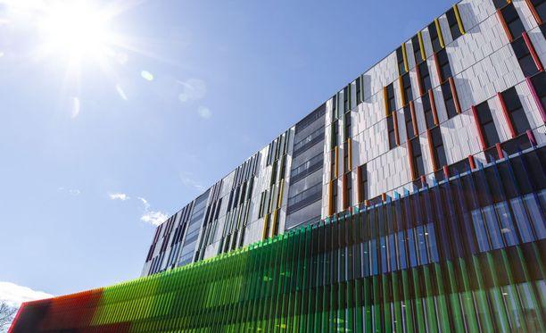Helsingin Meilahteen rakennettu uusi lastensairaala otetaan käyttöön syksyn aikana.