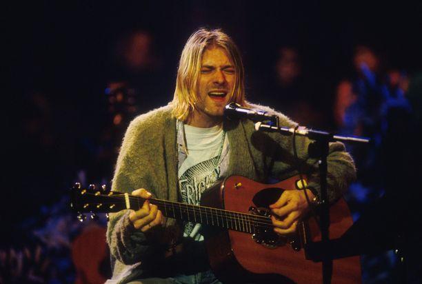 Kurt Cobainin käyttämä oliivinvihreä neuletakki on pala rock-historiaa.