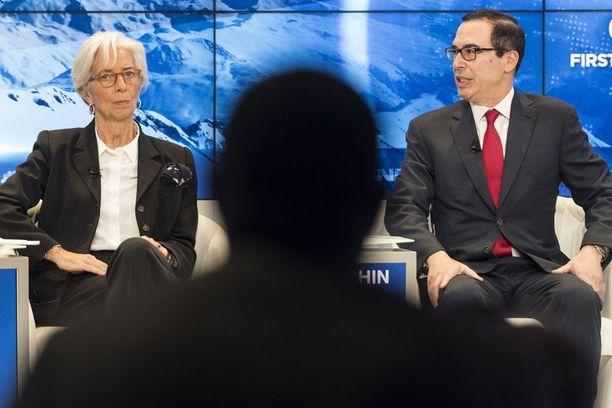 USA:n valtiovarainministeri Steven Mnuchin otti torstaina osaa paneelikeskusteluun Sveitsin Davosissa yhdessä Kansainvälisen valuuttarahaston IMF:n johtajan Christine Lagarden kanssa.