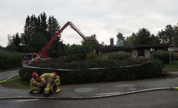Silminnäkijöiden mukaan palo oli räjähdysmäinen.