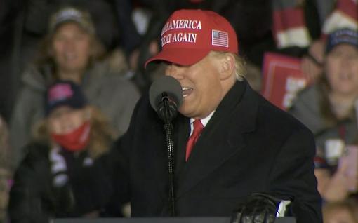 Trumpilta meni vaalitilaisuudessa kieli nolosti solmuun – kutsui räppäriä sutenööriksi