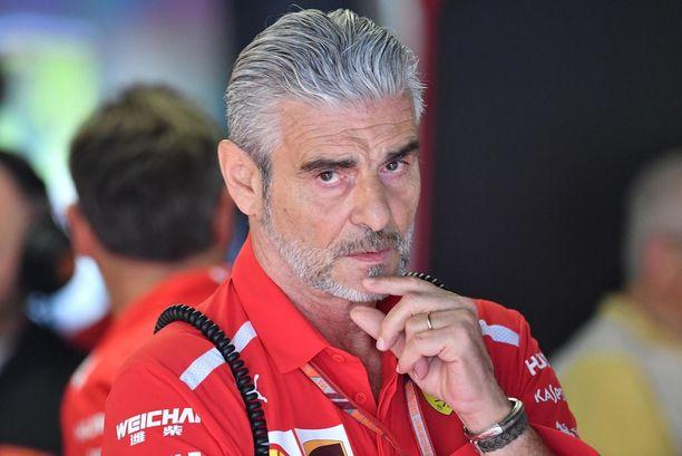 Maurizio Arrivabene pahoitteli menetettyä voittoa Ferrari-faneille.