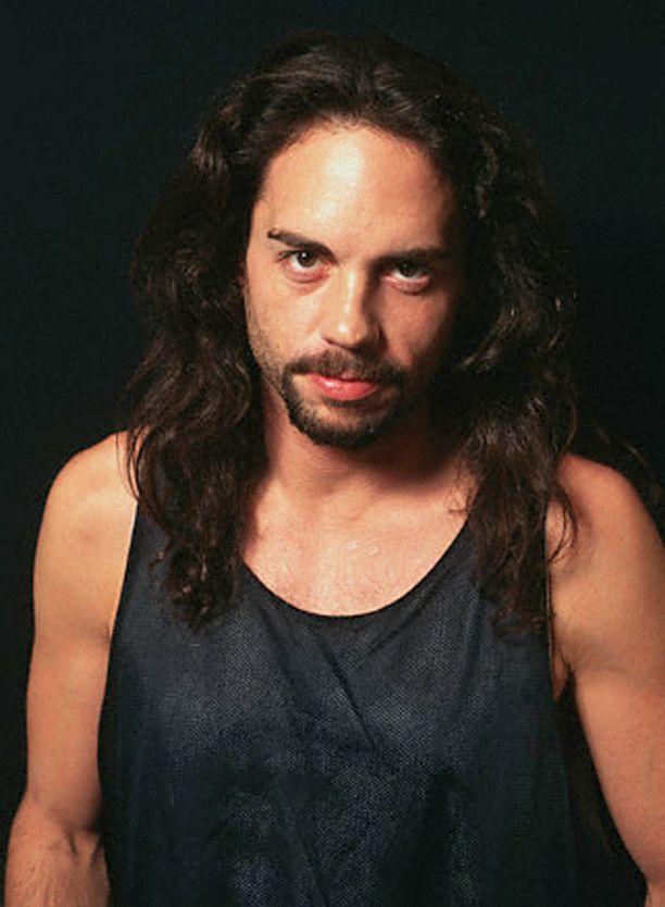 Nick Menza vaikutti Megadeth-yhtyeen rumpalina vuonna 1989-1998, sekä lyhyesti vuonna 2004.