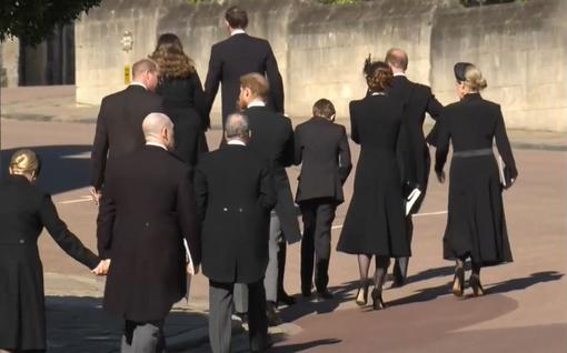 Ensimmäinen kohtaaminen vuoteen: Harry ja William hakeutuivat yhteen väkijoukossa