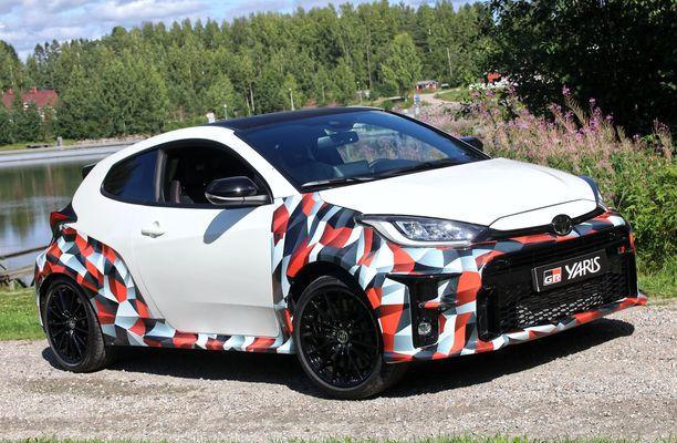 Super-Yaris  eli  Toyota  GR Yaris  on täysiverinen urheiluauto.