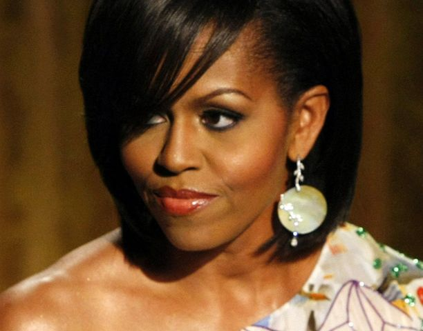 Muodin asiantuntijat ovat ihastelleet Michelle Obaman varmaa makua.