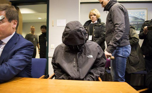 Joukkomurhasta epäillyt vangittiin puolitoista vuotta sitten.
