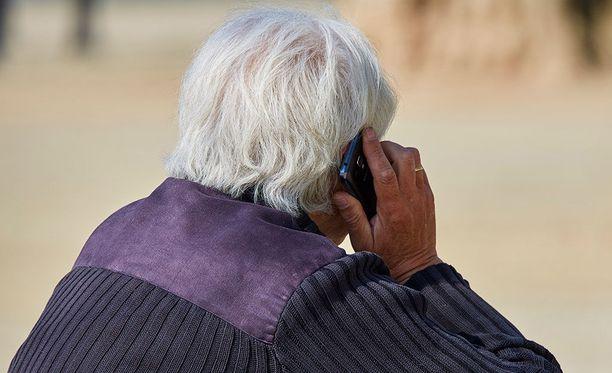 Kyseessä on ensimmäinen kerta maailmassa, kun oikeus tunnustaa yhteyden matkapuhelimen käytön ja aivokasvaimen välillä.