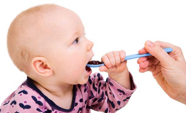 Tyypin 1 diabeteksen syntyyn voi vaikuttaa moni asia. Tutkijat ovat yksimielisiä vain siitä, että sairauden ilmaantuvuuteen vaikuttavat tavalla tai toisella muuttuneet ympäristötekijät.