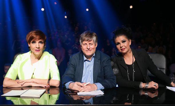 Tuomareina nähdään Maria Veitola ja Juhani Merimaa sekä tämän illan lähetyksessä tähtiä valmentanut Sani.