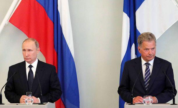 Presidentit vuosi sitten järjestetyssä tapaamisessa Savonlinnassa.