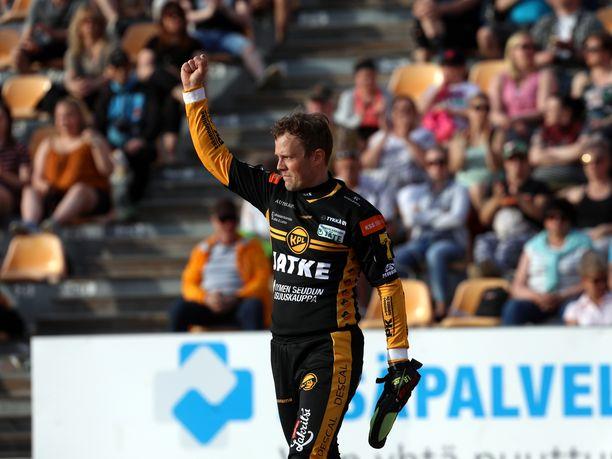 KPL:n Janne Kivipelto oli taas suuressa roolissa. Ulkopelissä lukkarina häärivä Kivipelto löi supervuoroparissa ratkaisevan juoksun.