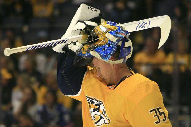 Nashville Predatorsissa pelaava Pekka Rinne on yhdessä Boston Bruinsin Tuukka Raskin kanssa NHL-palkkojen suomalaisykkönen.