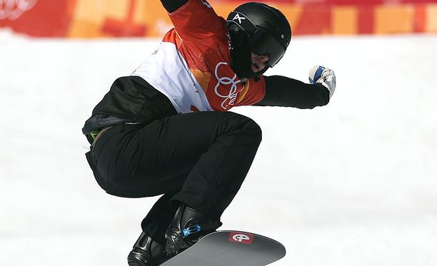 Anton Lindfors laski lumilautacrossissa yhdeksänneksi.
