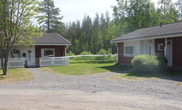 Poliisi sai ilmoituksen lauantaina iltapäivällä noin klo 14 Alajärvellä Ketuntiellä tapahtuneesta mahdollisesta henkirikoksesta.
