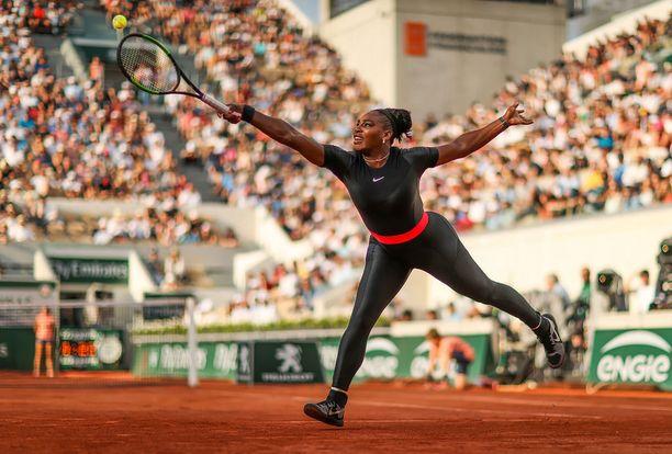 Tämä Serena Williamsin käyttämä puku herätti kohun.