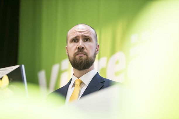 Vihreiden puheenjohtaja Touko Aalto kärsii imago-ongelmasta. Aalto on toiseksi epäsuosituin puoluejohtaja. Vain sinisten Sampo Terho on Aaltoa epäsuositumpi.