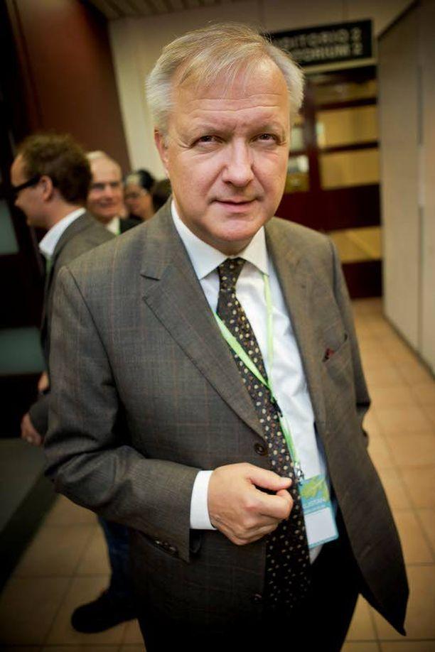 Keskustan eurojyrä Olli Rehn, 52, kotiutuu Euroopan parlamentin varapuhemiehen pestistään uuden hallituksen työ- ja elinkeinoministeriksi.