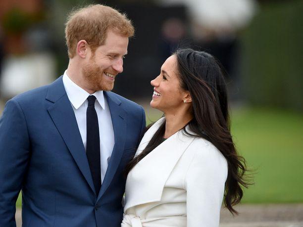 Prinssi Harry ja herttuatar Meghan eivät kertoneet päätöksestään kuningatar Elisabetille kuin vain hetki ennen sen julkistamista.