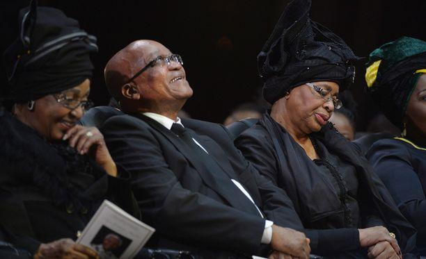 Jacob Zuma muistutti hautajaisväkeä Mandelan perinnön jatkamisesta.
