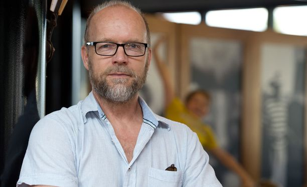 Kari Heiskanen ohjaa Helsingin Kaupunginteatterin Mestari-näytelmän.