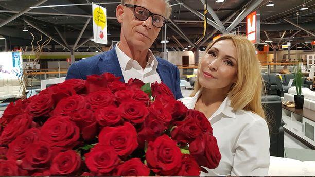 Topi Sukari ja Nadja Eerola menivät kihloihin viime juhannuksena, mutta naistenpäivänä oli aika sopia tarkka hääpäivä heinäkuulle.