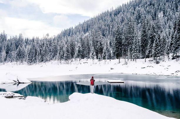 Sveitsin maisemia ei voi olla ihailematta.