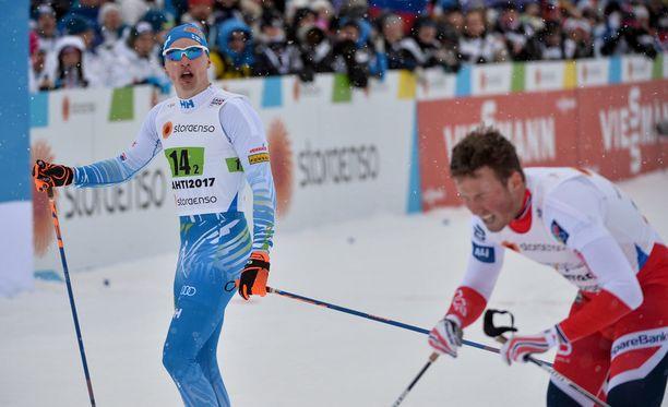 Iivo Niskanen ja Emil Iversen kolaroivat kultasaumat ohi suun.