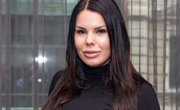 Kuvassa Suvi Pitkänen huhtikuussa.