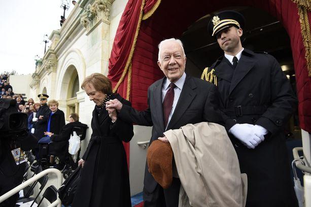Jimmy Carter osallistui vaimonsa Rosalynn Carterin kanssa Trumpin virkaanastujaisiin Washingtonissa tammikuussa.