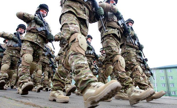 Nato vahvistaa joukkojaan Afganistanissa maan vaikean turvallisuustilanteen takia.