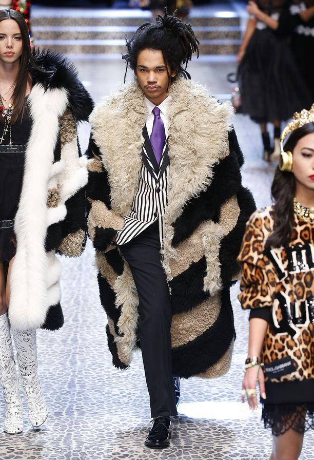 Luka Sabbat on esiintynyt esimerkiksi Dolce & Gabbanan mainoskampanjoissa ja runwaylla.