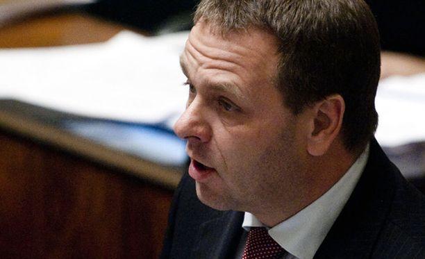 Kokoomuksen eduskuntaryhmän puheenjohtaja Jan Vapaavuori pitää Halla-aho-tapausta vakavana.
