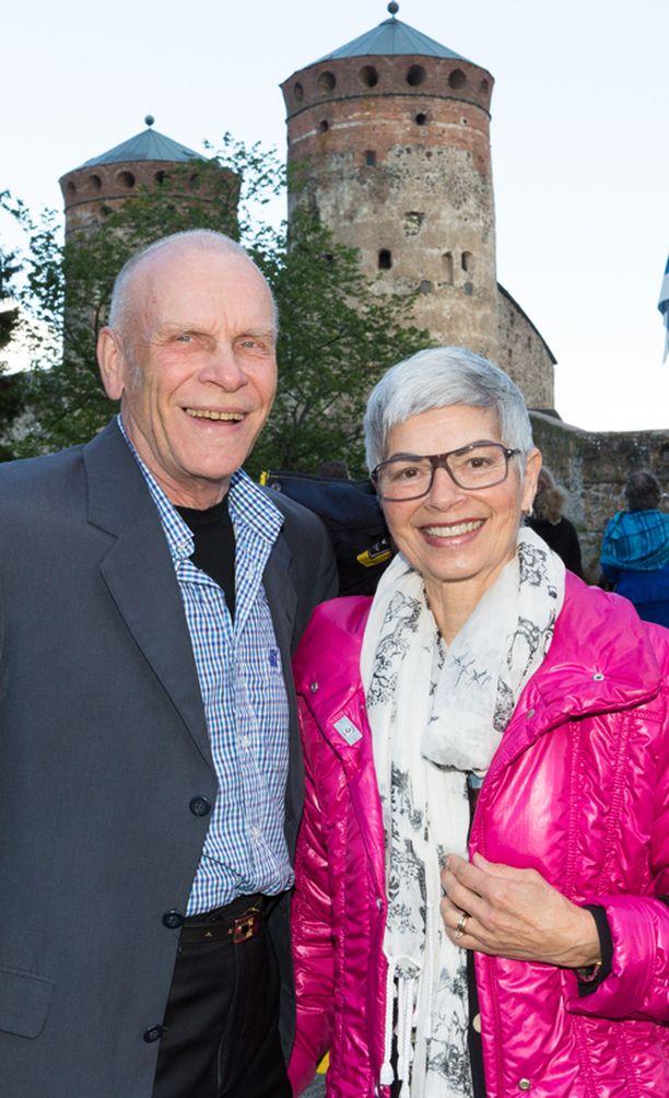 Ensimmäisen Kullervon roolin esitti Jorma Hynninen. – Rooli on ollut yksi urani huippuja. Tällä kertaa edessä on tuore ja hyvin mielenkiintoinen kokemus, ja vielä katsomosta nähtynä, Hynninen naurahti Reetta-vaimo vierellään.