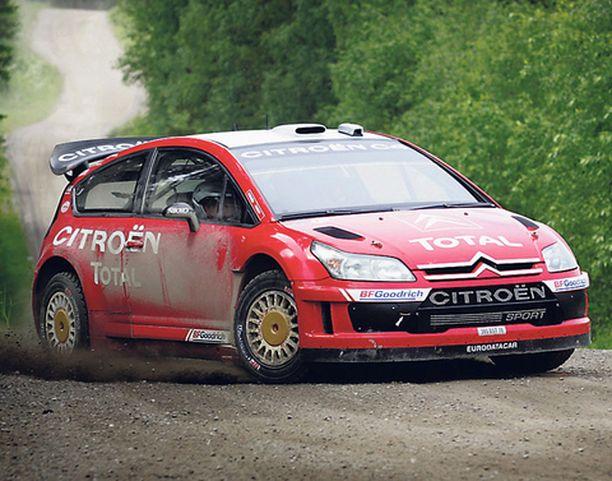 Citroënin C4 WRC kiitää nyt Suomessa.