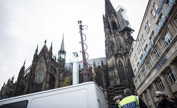 Uutena vuotena Kölnissä naisia ahdisteltiin erityisesti päärautatieaseman läheisyydessä.